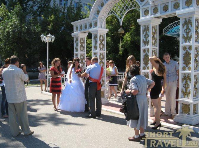 Муромская свадьба у местного ЗАГСа