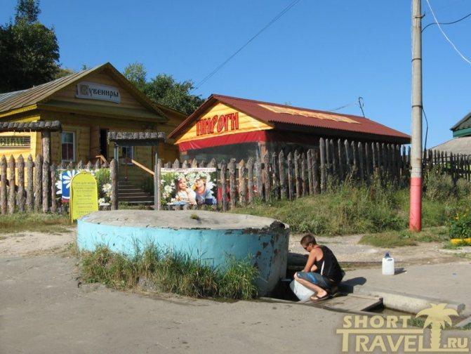 В роднике Ильи Муромца местные жители с удовольствием берут воду